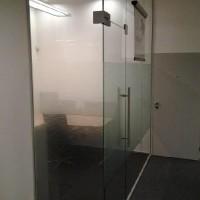 interiérová příčka sklo