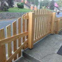dřevený atypický plot včetně kotvení